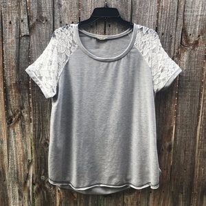 Easel Woman's Top